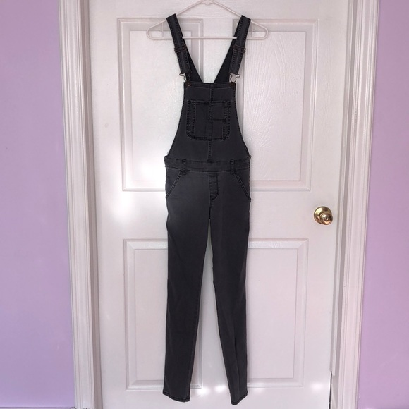2fb368eb6a64 Abercrombie   Fitch Pants - NEW A F denim overalls